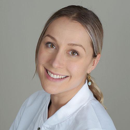 Professional Dentists - SmileAlive Dentistry